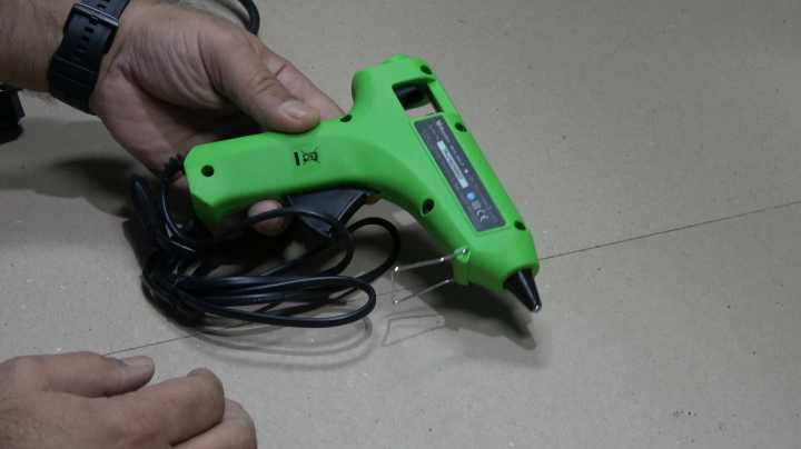 Cordless Hot Glue Gun Diy2.jpg